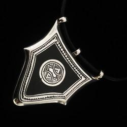 Collier amulette pentagone...