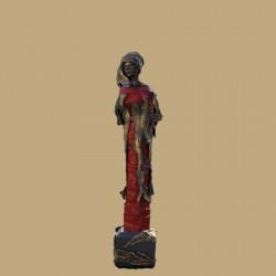 ABANA, Femme de rouge et d'or