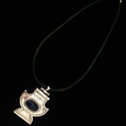 Médaillon argent, mortier, pierre lapi-lazuli